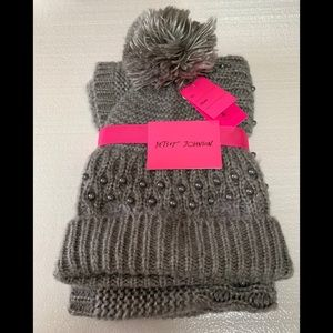 Betsey Johnson Beanie and Snood Scarf Set NWT Grey